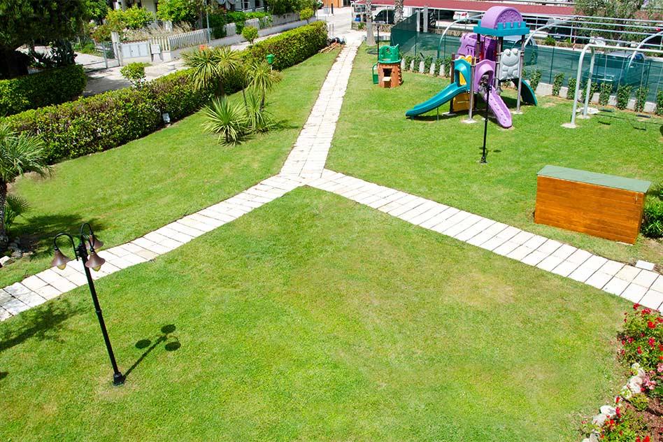 hotel con parco giochi alba adriatica