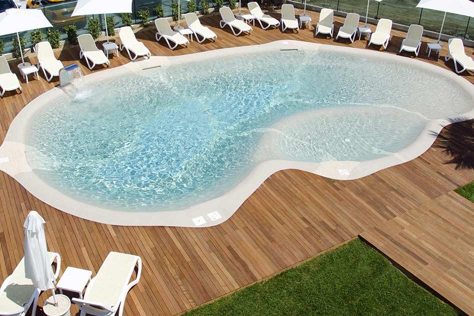 hotel con piscina alba adriatica