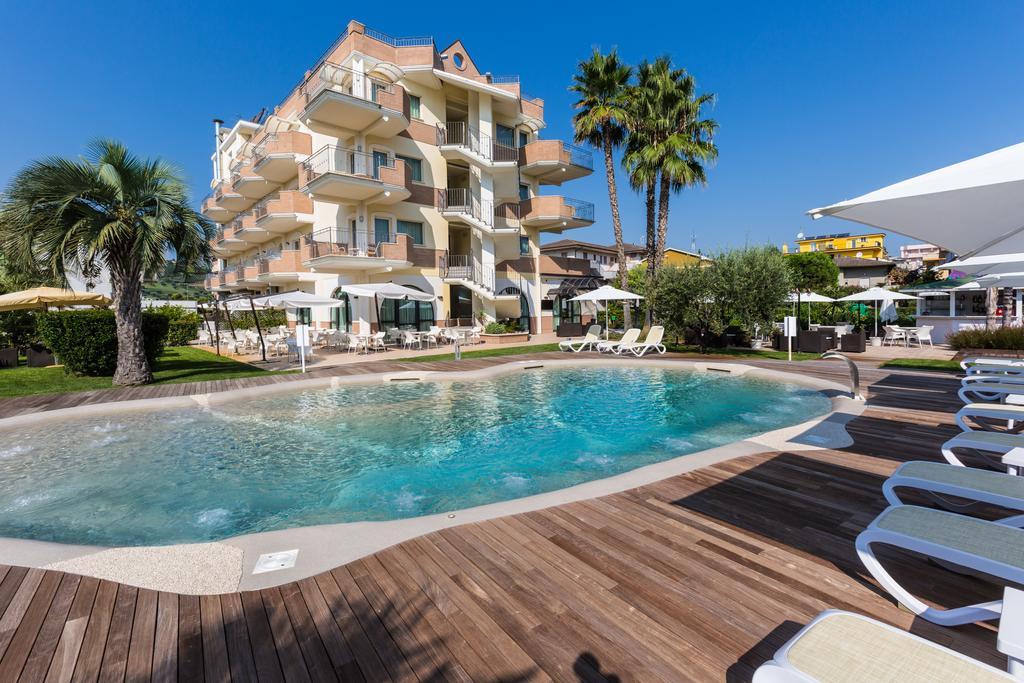 Alba Adriatica 3 Star-Hotel with Pool | Hotel Almaluna